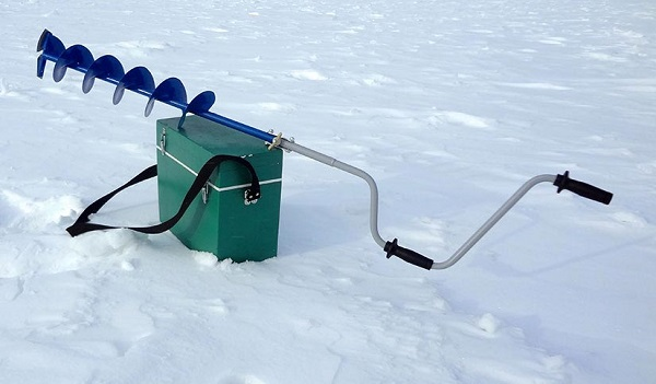 Какой ледобур выбрать для зимней рыбалки