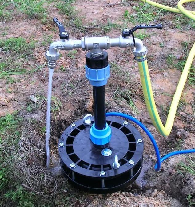 Как оборудовать скважину для воды на даче