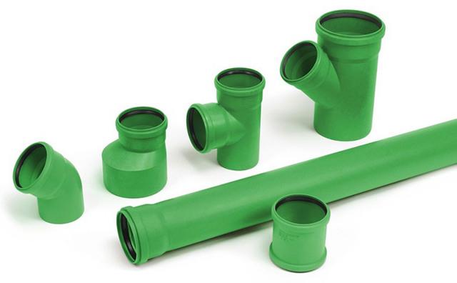 Тройник серой канализационной трубы