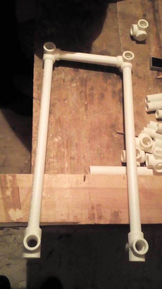 Полки для труб из полипропилена