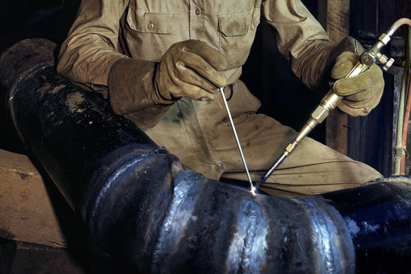 Сварной шов труб под углом