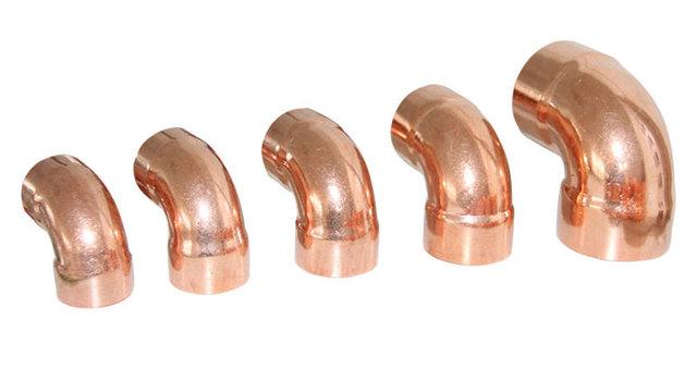 Фитинг для металлических труб угловой