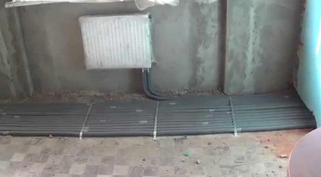 Как замуровать трубы отопления в полу