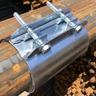 Хомуты для стяжки стальных труб