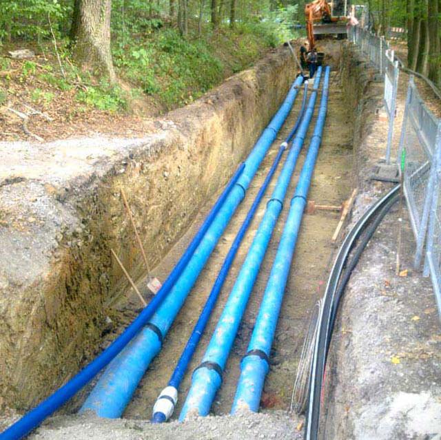 Поменять водопроводные трубы под землей труба в трубу
