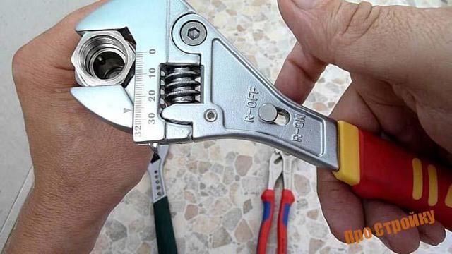 Форма губок трубных ключей