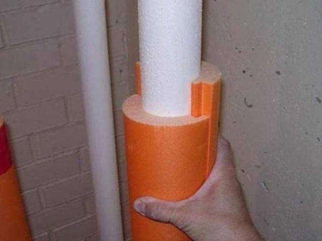 Как меняют канализационную трубу в многоквартирном доме между этажами