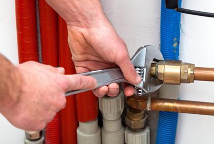 Как заделать дырку в трубе с холодной водой